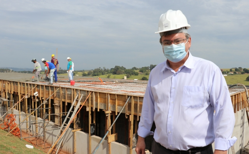 chefe-do-executivo-vistoria-as-obras-de-construcao-da-emei-maraca-e-emef-montana